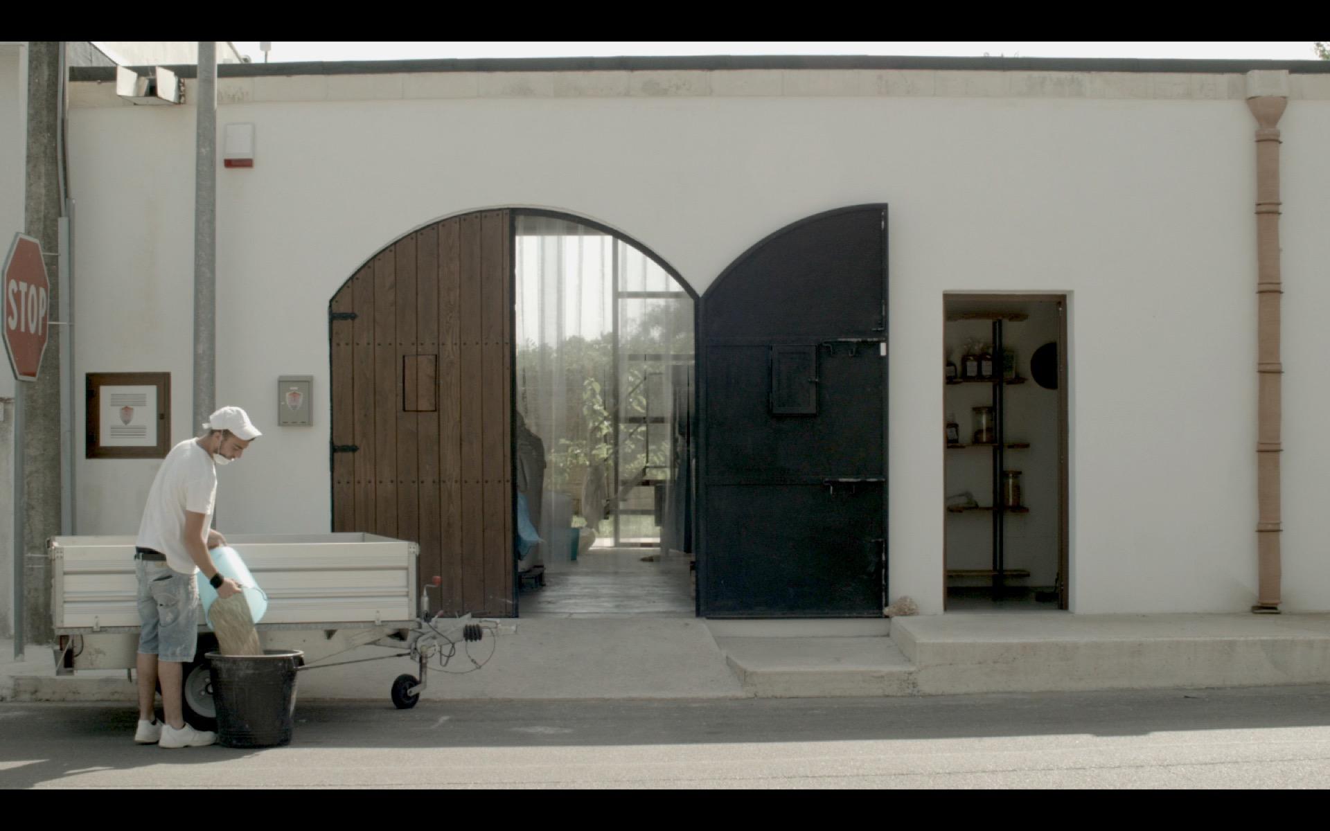 La Restanza, il nuovo documentario di Own Air, girato in Puglia